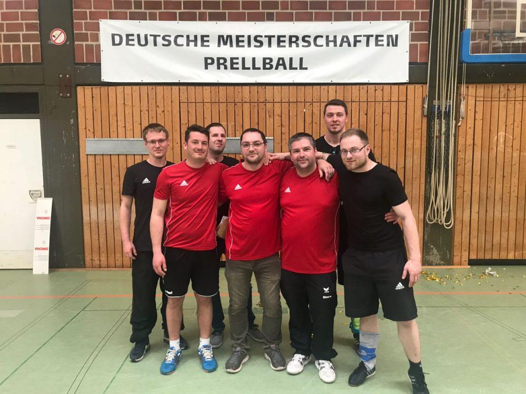 V.l.n.r.: Daniel Sherebak, Tobias Bradtke, Volker Pfeiffer, Oliver Heinrichsen, Matthias Riexinger, Dennis Key, Philipp Forisch