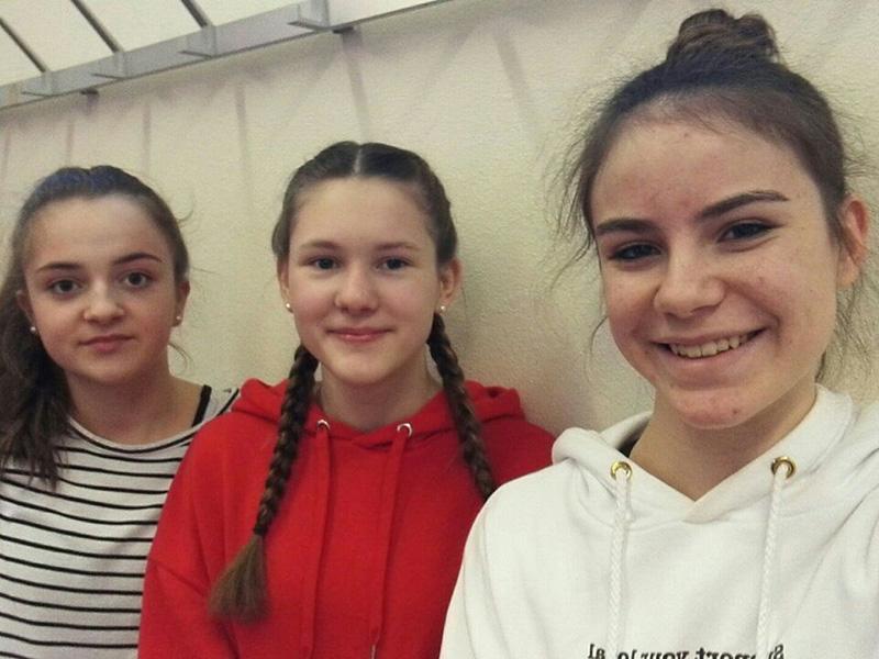 TV HuchenfeldJessica Rach, Charlotte Kiefer, Juliana Württemberger